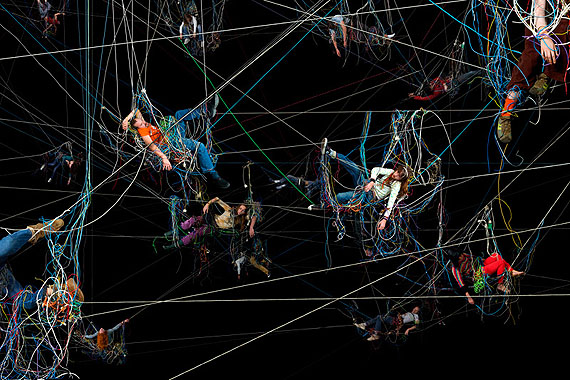 Enredos 3, 2008, Kodak Endura/aluminum, 150 x 225 cm © Daniel Canogar