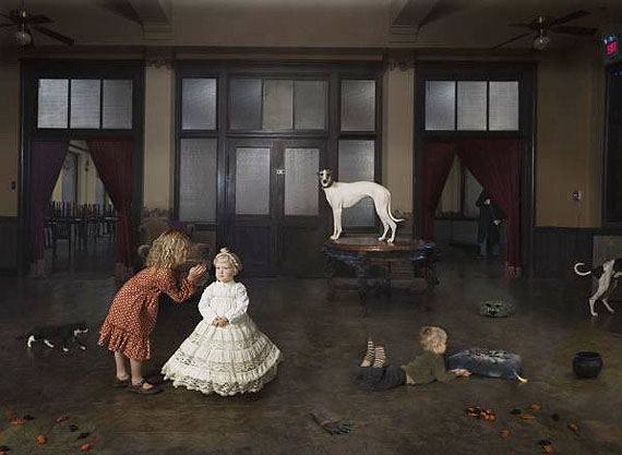 Julie Blackmon, Queen, 2010© Julie Blackmon. Courtesy Robert Mann Gallery, New York.