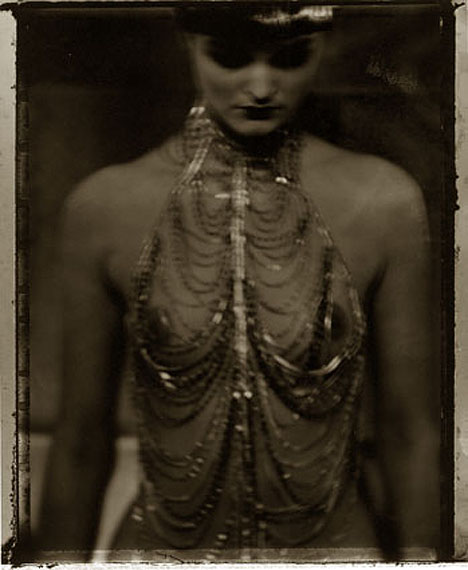 © Sarah MoonEva 199760 x 50 cmAuflage 20getonter silbergelatine Print