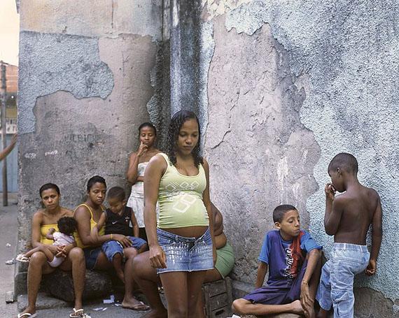 Mohamed Bourouissa, Rio, Sans titre, 2008© Courtesy Galerie Les filles du calvaire Paris/Bruxelles