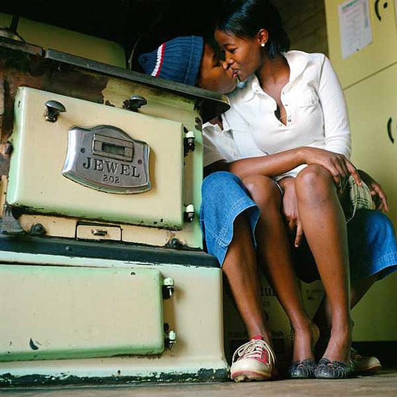 © Zanele MuholiKatlego Mashiloane and Nosipho Lavuta, Ext. 2, Lakeside, Johannesburg 2007Courtesy Michael Stevenson