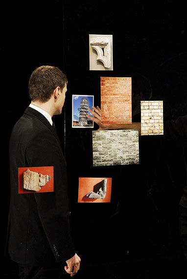 Aurélien FROMENT Théâtre de poche 2007Production still, photo : Aurélien MoleCourtesy the artist and Motive Gallery, Amsterdam