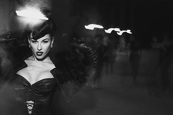 Peter LindberghEDENVOGUE GERMANYTRESOR CLUBBERLIN, GERMANY 2009© Peter Lindbergh