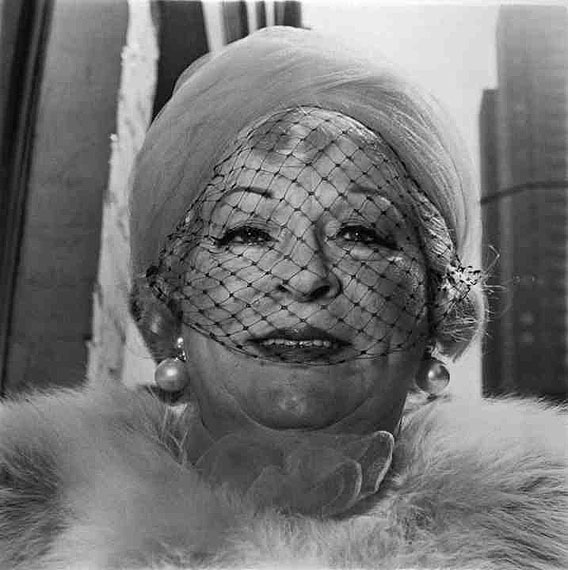 DIANE ARBUS (1923-1971), 'Woman with a Veil on Fifth Avenue, New York City', 1968, gelatin silver print ©Estate of Diane Arbus / Robert Miller Gallery N.Y./ Courtesy Kicken Berlin