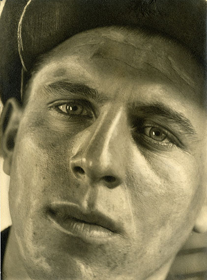 Helmar Lerski, 'Junger Bettler' aus der Serie 'Köpfe des Alltags', ca. 1930PhotographyEstate Helmar Lerski/Courtesy Fotografische Sammlung, Museum Folkwang EssenRepresented by : Kicken Berlin
