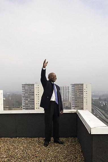 Jordi ColomerCrier sur les toits 4giclée print mounted on dibond, wooden frame, plexiglas140 x 210 cm, ed 7, 2011Courtesy Galerie Michel Rein, Paris