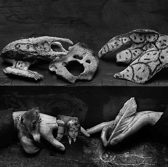 © Roger Ballen, Complex Ambuigity