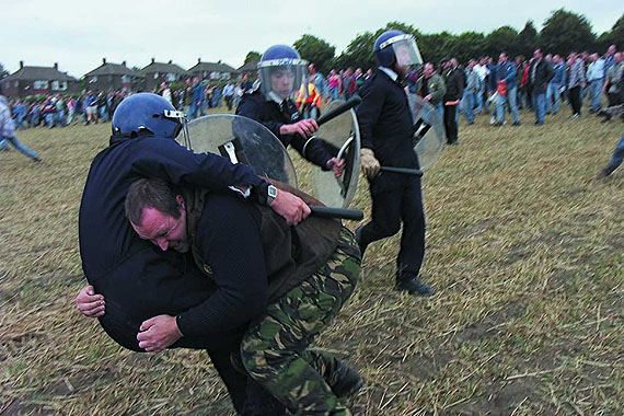 Jeremy Deller The Battle of Orgreave, 2002(a filmed re-enactment of a miners' strike that took place in 1984)Director: Mike Figgis© Jeremy Deller