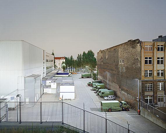 Schering, BerlinC-Print auf Aluminium, hinter Glas, gerahmt 125 x 149,1 cm, 2003, edition of 5. © Thomas Weinberger/ VG Bild-Kunst, Bonn 2011