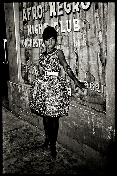 © Jean Depara, Devant Afro Negro