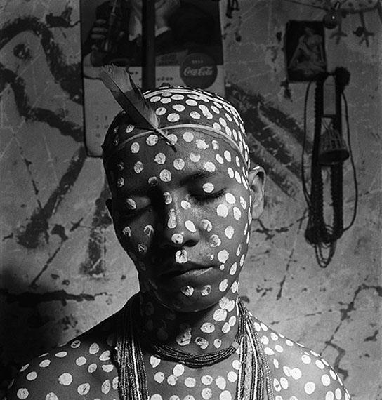 José Medeiros, Rite d'initiation des filles de Saint Bahia, 1951. © José Medeiros, Instituto Moreira SallesMaison Européenne de la Photographie - 13 november 2011