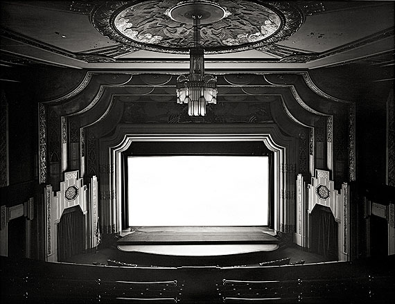 """Hiroshi Sugimoto""""SAM ERIC P.A."""", AUS DER SERIE """"THEATERS"""". 1978Gelatin silver print. 161/2x213/8in. (197/8x237/8in.). Signed, dated, titled and editioned in pencil on the reverse. From an edition of 25 numbered prints.Courtesy Villa Grisebach Auctions"""