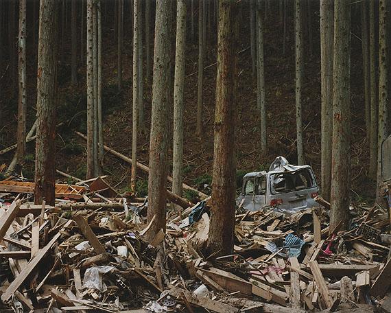 © Naoya HatakeyamaRikuzentakata, Kesen-cho 2011.04.04courtesy the artist