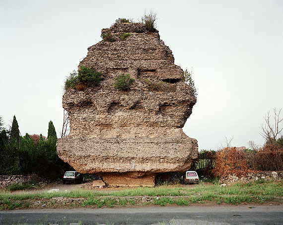 Joel SternfeldLovers parking beneath a pyramidal tomb of the second century A.D., Via Appia Antica, Rome, November 1990Digital c-print, ed. 756,5 x 71 cm; 22 1/4 x 28 inCourtesy Buchmann Galerie Berlin, Luhring Augustine New York and the artist