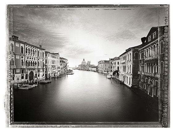Christopher ThomasCanal Grande I, 2010Pigment Print on Arches Cold Pressed Rag PaperEdition of 25 plus 3 AP´s , 56 x 76 cmEdition of 7 plus 2 AP´s, 103 x 135 cm © CHRISTOPHER THOMAS / Courtesy Bernheimer Fine Art