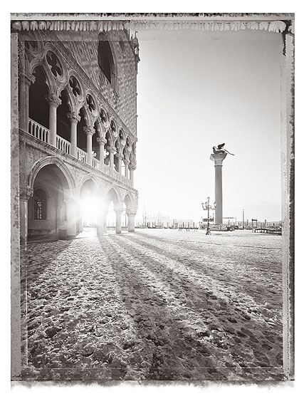 Christopher ThomasPalazzo Ducale III, 2010Pigment Print on Arches Cold Pressed Rag PaperEdition of 25 plus 3 AP´s , 56 x 76 cmEdition of 7 plus 2 AP´s, 103 x 135 cm © CHRISTOPHER THOMAS / Courtesy Bernheimer Fine Art