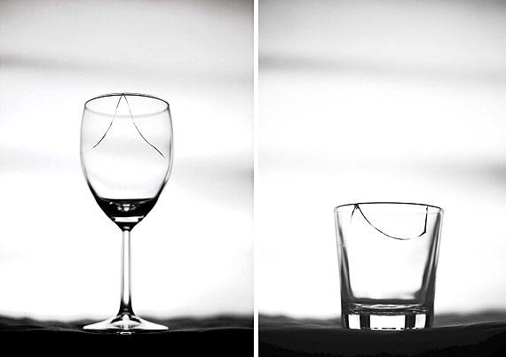 Bernhard J. Widmann, INDIVIDUALS, o.T., (Weinglas) / (Becherglas), 2003/2011, Ditone auf Photorag 308 gr., je 120 x 90 cm , Aufl. 5 + 2 e.a., © Bernhard J. Widmann
