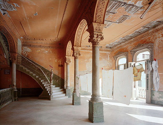 "© ROBERT POLIDORI, ""LA GUARIDA"" RESTAURANT ENTRANCE 418 CONCORDIA, VEDADO, HAVANA, 1997"