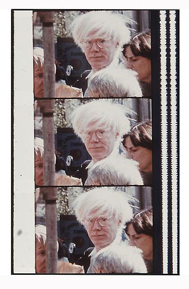 Jonas MekasWarhol at the Farmer's Market, October 18, 1980© Jonas Mekas, courtesy James Fuentes Gallery/Edwynn Houk Gallery