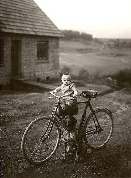 Forester's child, Westerwald, 1931, © SK-Stiftung Kultur - August Sander Archiv / VG-Bild Kunst, Bonn