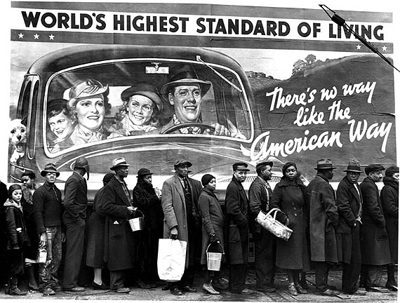 Margaret Bourke-White, At the time of the Louisville Flood, 1935 © VG-Bild-Kunst, Bonn