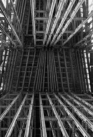 "Aitor Ortiz, ""Amorfosis 011"", 2008, Fotografie auf Aluminium, 150 x 100 cm, Edition 4/7, courtesy Nusser & Baumgart, München ©Aitor Ortiz"