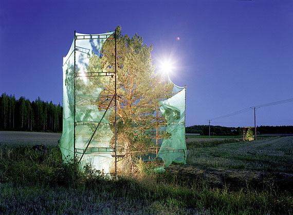 """© Ilkka Halso, Untitled (2) aus der Serie """"Restoration"""" 2000Courtesy Darmstädter Tage der Fotografie"""