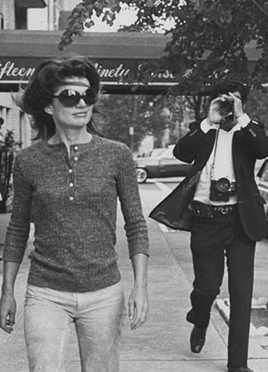 Jackie Onassis and Ron Galella on Madison Avenue, October 7, 1971, New York City © Ron Galella