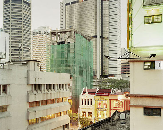 "Peter Bialobrzeski   ""Kuala Lumpur, 2008"" aus der Serie ""The Raw and the Cooked"""