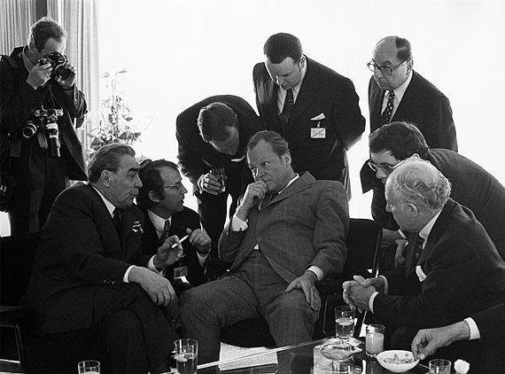 "Barbara Klemm""Leonid Breschnew, Willy Brandt"", Bonn, 1973© Courtesy Barbara Klemm"
