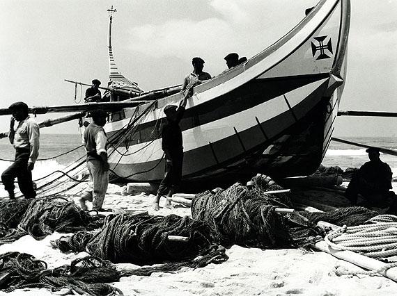 Alfred EhrhardtDas Boot von Torreira, 195117,5 x 23,4 cmVintage, Silbergelatineabzug© Alfred Ehrhardt Stiftung