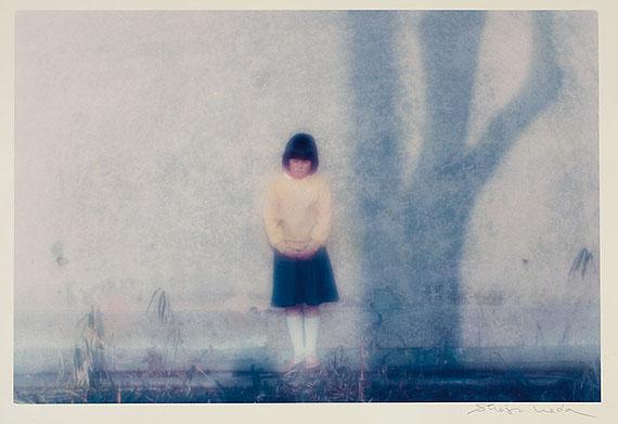 LOT 1092Shoji Ueda (1913–2000) Ohne Titel aus der Serie ›Brilliant Scenes‹Chromogenic print24,2 x 36,8 cm (9,5 x 14,5 in)c. 1980