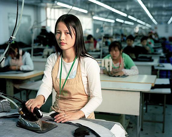 Liu Baozhu (25), Arbeierin © Mathias Braschler und Monika Fischer