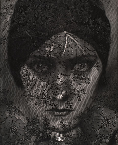 Edward Steichen: Gloria Swanson, 1924