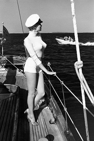 Helmut NewtonWinnie off the coast of Cannes, 1975from the series White Women© Helmut Newton Estate