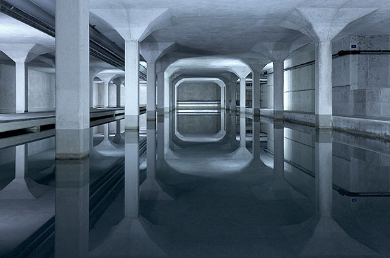 © Luca Zanier, Zürich: Hardhof Lengg II - Wasserversorgung der Stadt Zürich, Seewasserwerk Lengg, Trinkwasser-Aufbereitungsbecken.