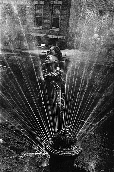 Leonard Freed: Harlem, New York, 1963