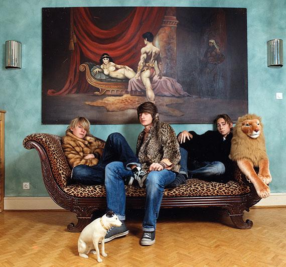 Katharina Mayer: Alex, Julius und Istvan, 100 x 100 cm, c-print, Diasec, 2006
