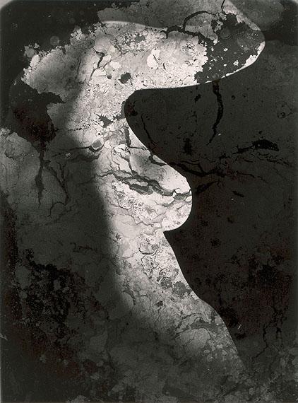 Ohne Titel, um 1956Silbergelatine, 39,7 x 29,8 cmFoto: Heinz Hajek-Halke © Akademie der Künste, Berlin, Kunstsammlung