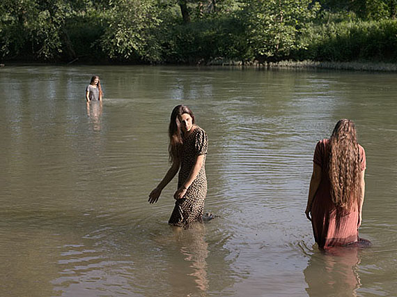 Jasmine, Hannah and Cecilia Swimming, Tennessee, 2008© Lucas Foglia