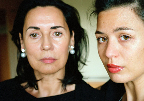 Isabelle Graeff: My Mother and I, 2009, c-print 100 x 75 m, Edition: 5 + 1 a.p.