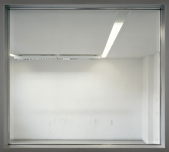 Andreas Thein: F 02 aus FREMDENZIMMER, 190 x 171 cm, C-Print, Diasec, 2002