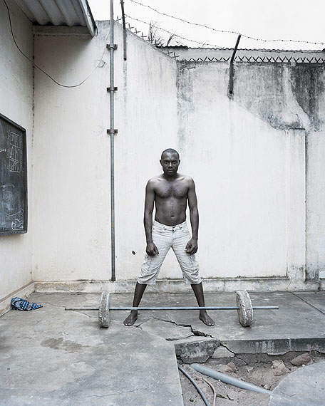 Malte Wandel: FOFO (big brother), Lomé, Togo, 80 x 100 cm