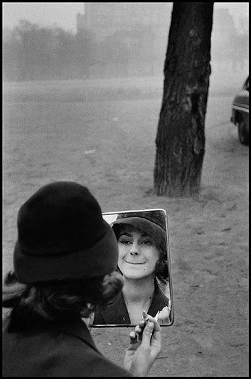 © Elliott Erwitt / Magnum Photos, FRANCE. Paris. 1958