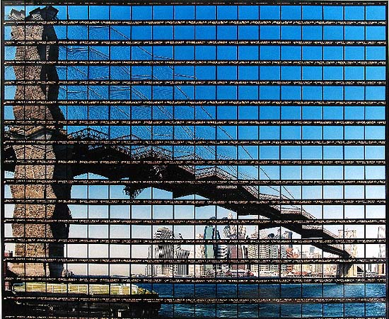 New York, Brooklyn Bridge, 2003. Copyright the artist, courtesy of Stephen Cohen Gallery.