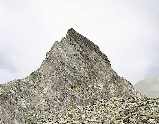 Josef Schulz, Berggipfel #3, 2008, C-Print Diasec, 6 + 2 AP, 180 x 232 cm