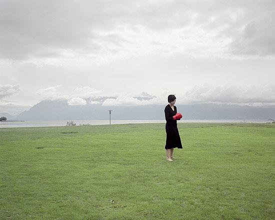 Gant rouge, C-print, 2005