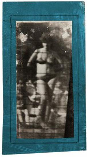 Miroslav Tichý, Photographie mit farbigem Rahmen, 22 x 12 cm