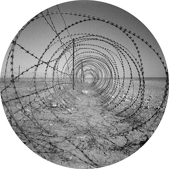 Cercle fermé2005 | tirage barité sur alu | 110 cm | Ed. 3 + 1 EA
