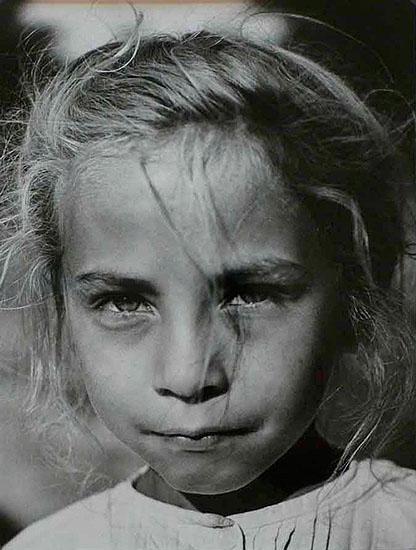 Girl, 1936 © Kata Kalman